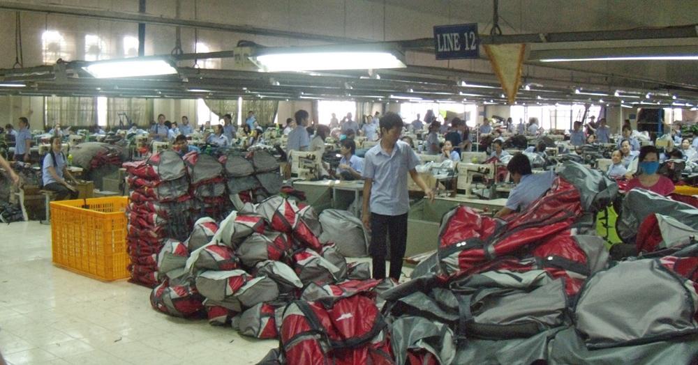 Производство рюкзаков подвеска на рюкзак angry birds